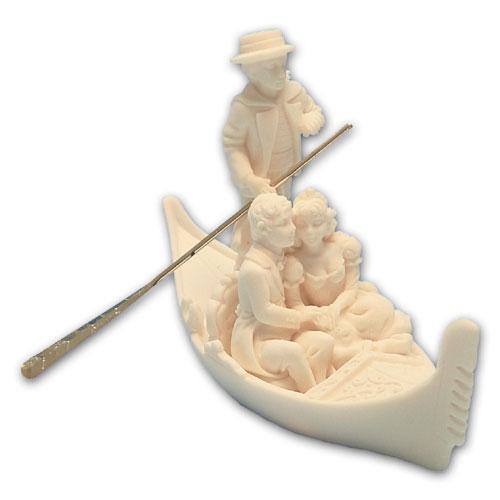 Item # 11216 - Bruidspaar Marmer in Gondel - Maat 10,5 cm