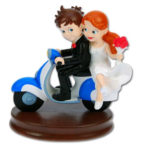 item #305225 - Bruidspaar op Scooter.