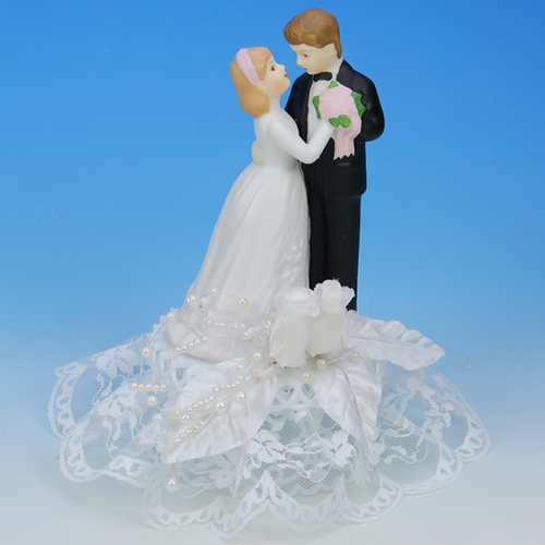 Item # 802 - Bruidspaar Porselein