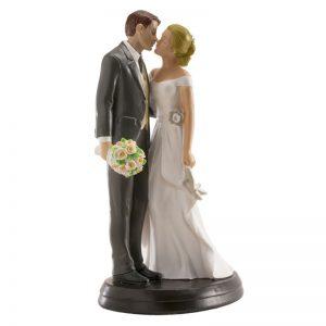 Bruidspaar Romantisch - Kussend met hakken in de hand